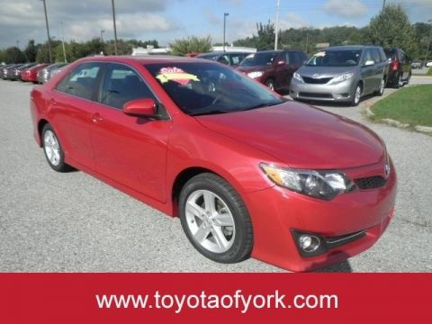 Pre-Owned 2014 Toyota Camry 4dr Sdn I4 Auto SE FRONT WHEEL DRIVE sedan