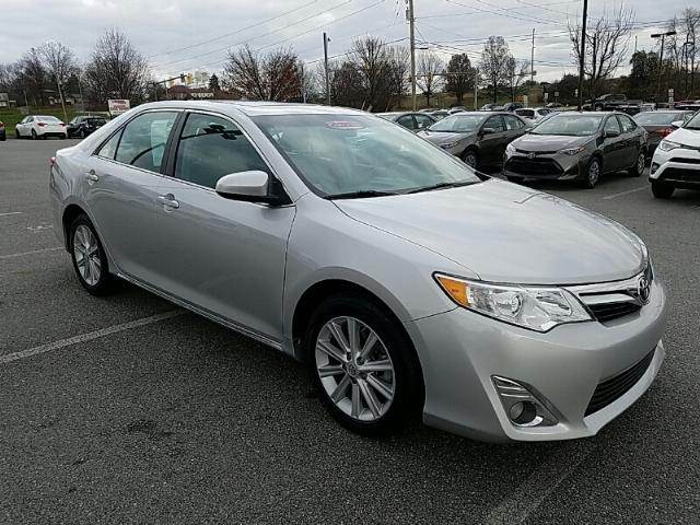 pre owned 2014 toyota camry xle sedan in york t39506a toyota of york. Black Bedroom Furniture Sets. Home Design Ideas